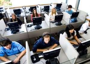 auto_operatrice-call-center-11481120018