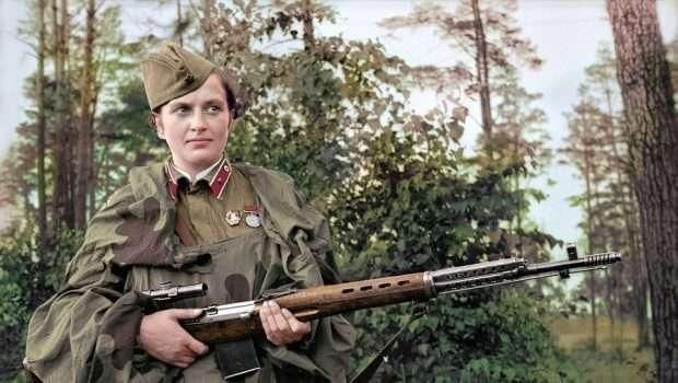 'Zonja Vdekjeprurëse'/ Snajperja bukuroshe ruse, vrau 309 nazistë
