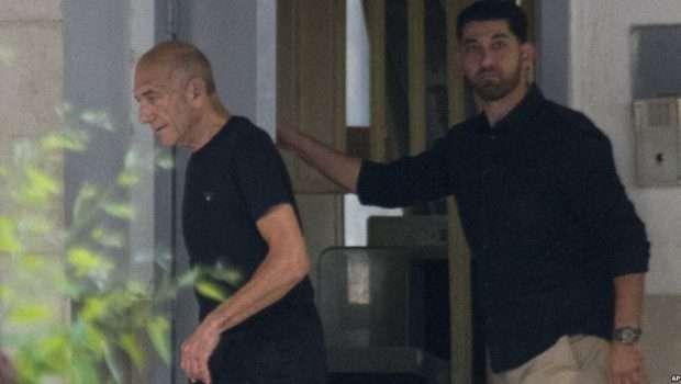 U akuzua për korrupsion, lirohet ish-kryeministri izraelit Olmert