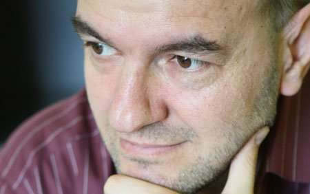 "Dritan Egro polemizon me ""Sandwich-in"" e Mustafa Nanos"